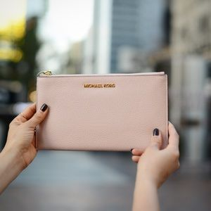 NEW Michael Kors Blush Pink Wristlet